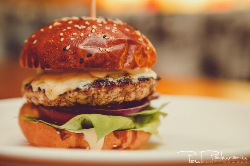 Burger Cinema Bistro