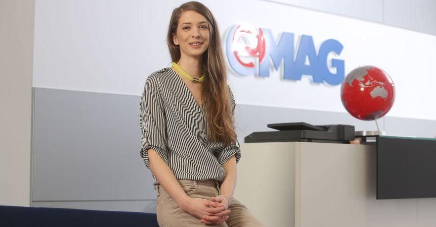 eMAG plătește tinerii din București, Craiova și Iași să facă Internship